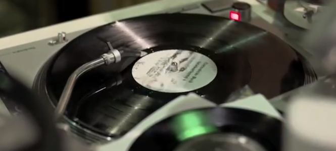 you-cant-get-baby-oil-on-your-mp3s-watch-a-documentary-on-the-state-of-vinyl-in-new-york-city