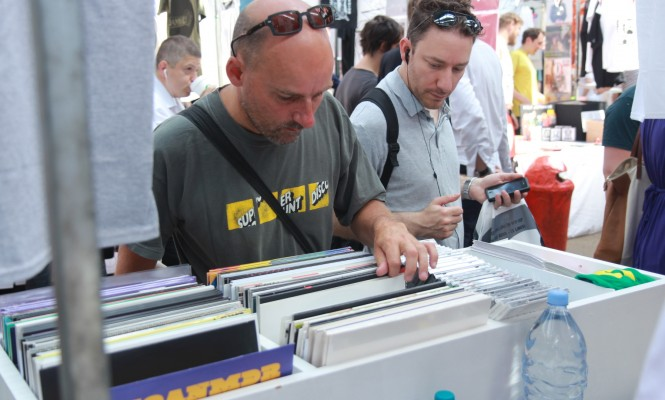 mid-term-report-vinyl-sales-up-33-5-across-the-board