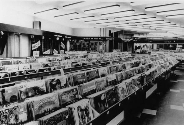 Inside-The-HMV-Record-Store-in-Oxford-Street-London-e1360544878829