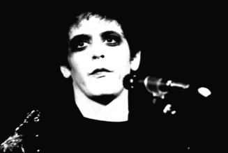 "Lou Reed and photographer Mick Rock collaborate for deluxe book and 7″ release ""Transformer"""