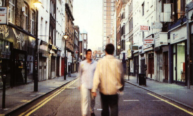 oasis-dominate-list-of-the-20-best-selling-vinyl-records-of-the-last-20-years