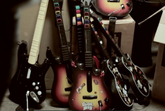 Be a real Guitar Hero: New project launched to melt plastic guitars into vinyl records