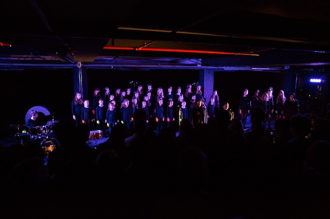 dinos_chapman_launch_choir_2