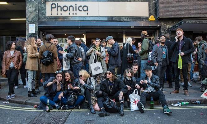 record-store-day-queue