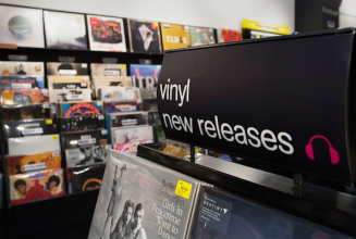 "HMV to host vinyl week with ""exclusive limited editions"""