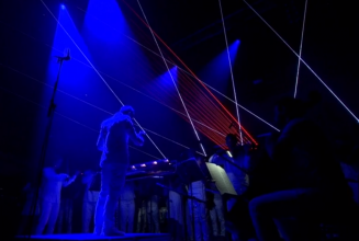 Watch Glastonbury pay tribute to David Bowie with Philip Glass's <em>Heroes</em> symphony