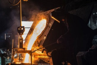 Watch a cast-iron turntable get forged from an old bridge