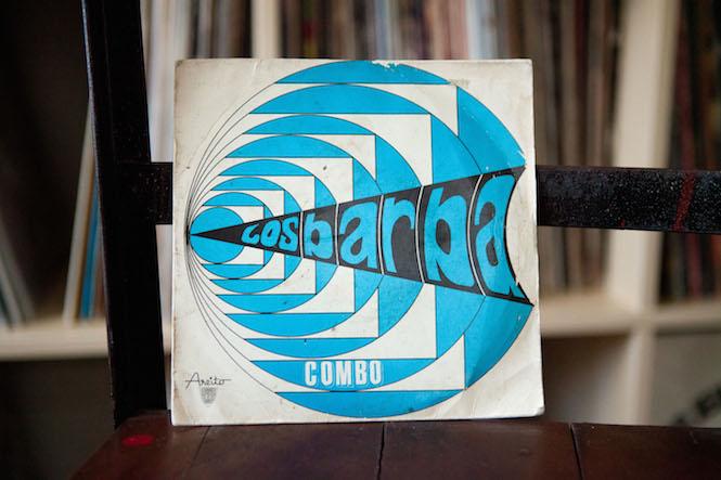 Sleeve design: Noelvis Díaz. Los Barba - Viven Muy Felices