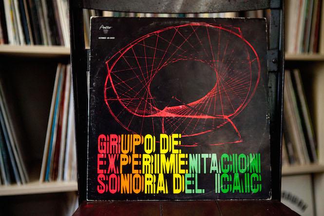 Sleeve design: Darío Mora. Grupo De Experimentación Sonora DelI.C.A.I.C. - Self-Titled