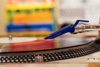 Apparently turntables are now outselling CDJs