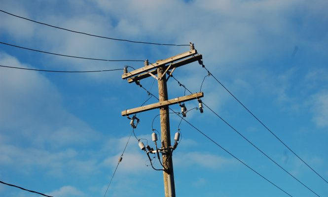 japanese-audiophiles-personal-utility-pole