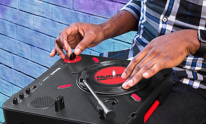 numark-new-portable-pt01-scratch-turntable