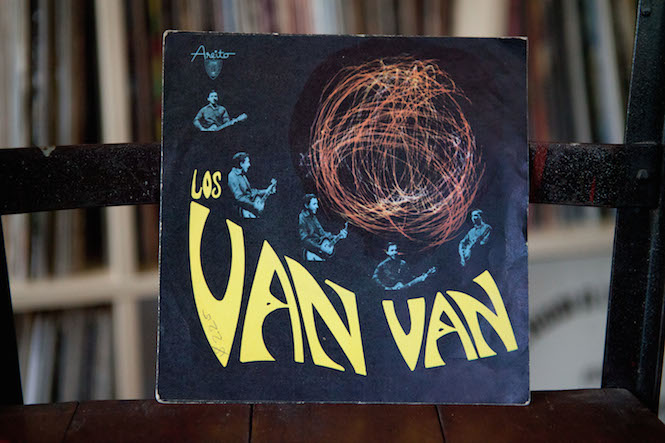 Sleeve design: Noelvis Díaz. Los Van Van - Self-Titled